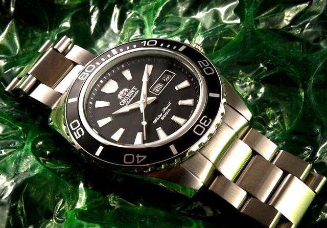 Đồng hồ Orient CEM75001B